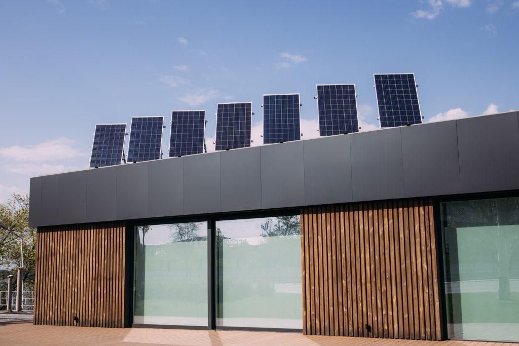 Digelec zonnepanelen installatie staand